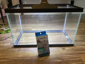 10 gallon fish tank with filters and light for Sale in Cary, NC