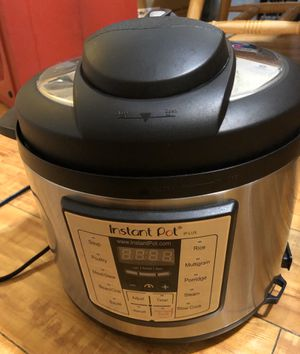 Free Instant pot (not working, for parts) for Sale in Arcadia, CA