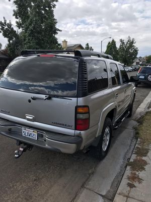 2005 Chevy Tahoe Z71 4x4 5.3 V8 Everything works 182,000 miles Clean title 3 Row seat $5,500 for Sale in Montclair, CA