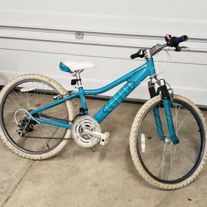 Girls Bike-24inch for Sale in Tigard, OR