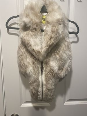 Faux fur vest for Sale in Lake Stevens, WA