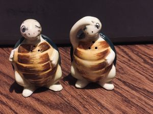 Vintage Enesco Swifty the turtle Salt & Pepper shakers for Sale in Tyler, TX