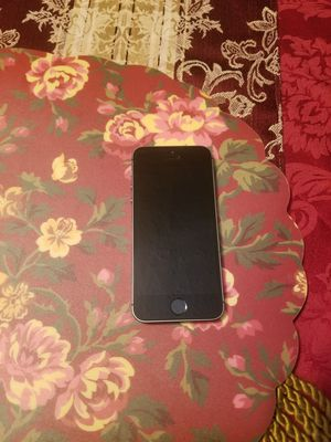 Iphone 5s unlocked for any carrier ready for use not scratch for Sale in Forest Park, GA
