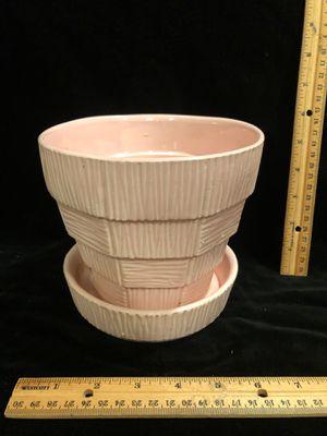 McCoy pottery vintage pink bark and block flower pot basket weave for Sale in Puyallup, WA