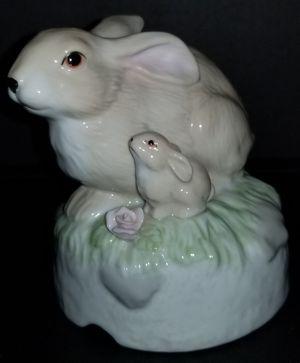 1987 enesco rabbit music box for Sale for sale  Hutto, TX