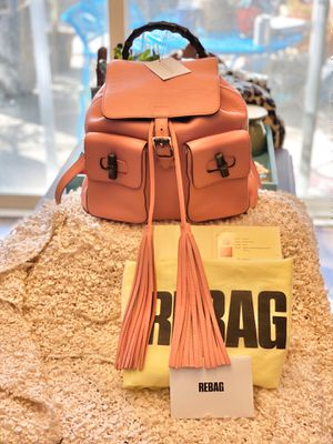 Gucci Bamboo Tassel Backpack Medium 370833 - Coral Pink GORGEOUS! Gr8 condition! for Sale in Vacaville, CA