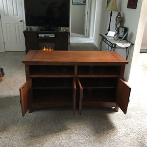 Solid Wood TV Stand for Sale in Bonney Lake, WA