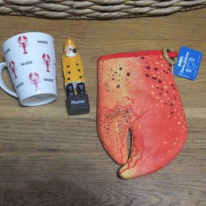 Maine Kitchen Mug, Oven Mitt and Fisherman Figurine Gift Set for Sale in Queens, NY