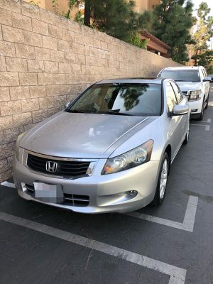 Honda accord 2009 titulo limpio personal placas vigentes motor transmission exelente for Sale in Tustin, CA