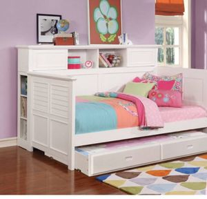 White bookcase twin trundle daybed for Sale in Cedar Park, TX