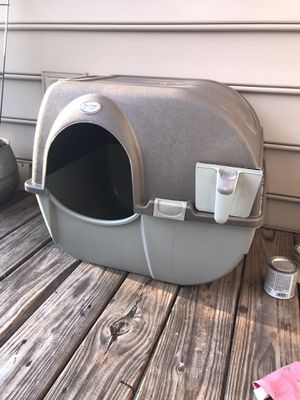 MUST GO: Omega Paw Roll'n Clean Litter Box for Sale in Marietta, GA