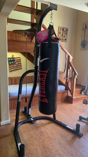 EverLast punching bag with speed bag!! for Sale in Boulder City, NV