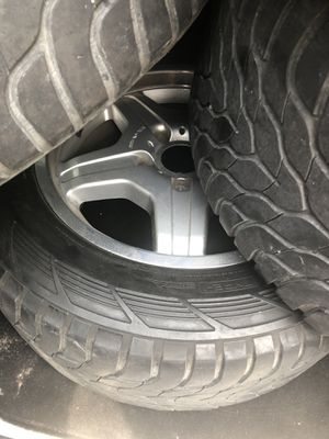 New tires and rims to Mercedes-Benz G class for Sale in Chicago, IL