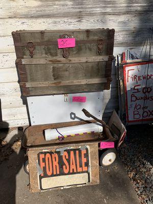 Old Trunk.... $25.00 for Sale in Farmington, CA