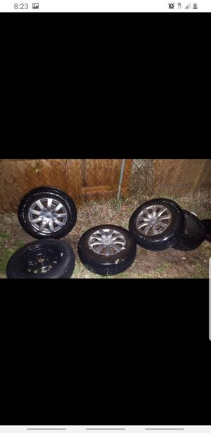 (5) Bearly Semi Used 205/70R15 TIRES $300 OBO for Sale in Houston, TX