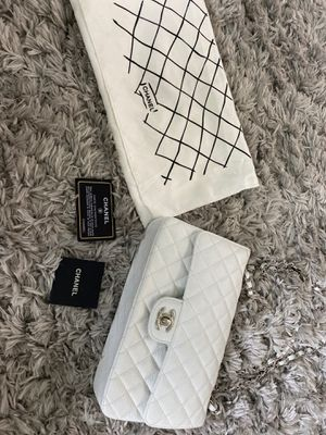 White Chanel bag for Sale in Boca Raton, FL