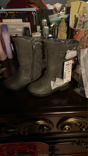 Toddler girl boots grey size 7 for Sale in Delano, CA