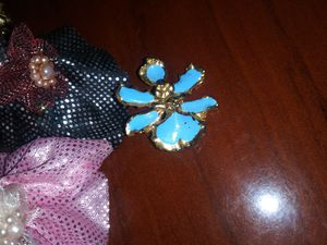 Beautiful rarely Vintage blue paint goldtone blossom flower brooch 3cm for Sale in Richmond, CA