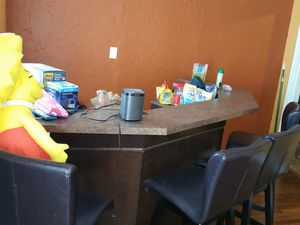 BIG Bar and 4 bar stools for Sale in Tampa, FL