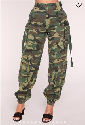 Ladies Fashion nova Cargo pants with tags brand new. Medium size for Sale in Gaithersburg, MD