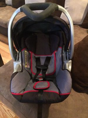 Baby trend infant car seat for Sale in Pittsburgh, PA
