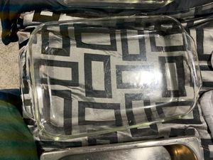 2 Pyrex glass pans for Sale in St. Peters, MO