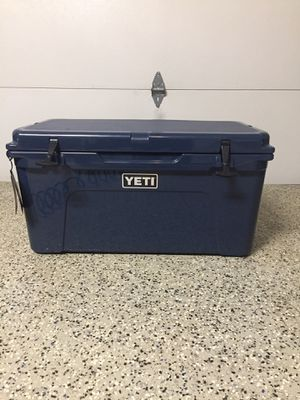 Yeti cooler Tundra 65 for Sale in Lawrenceville, GA