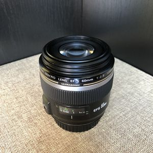 Canon EF-S 60mm f/2.8 Macro USM Fixed Lens for Canon SLR Cameras for Sale in New York, NY