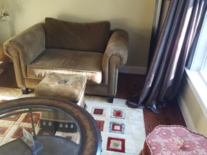 2 set sofa chairs with flotation and small ottomons for Sale in Atlanta, GA