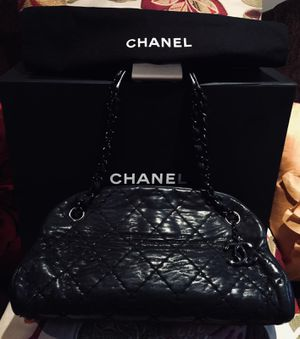 Auth Chanel Matrasse Mademoiselle Chain Leather bag for Sale in Humble, TX