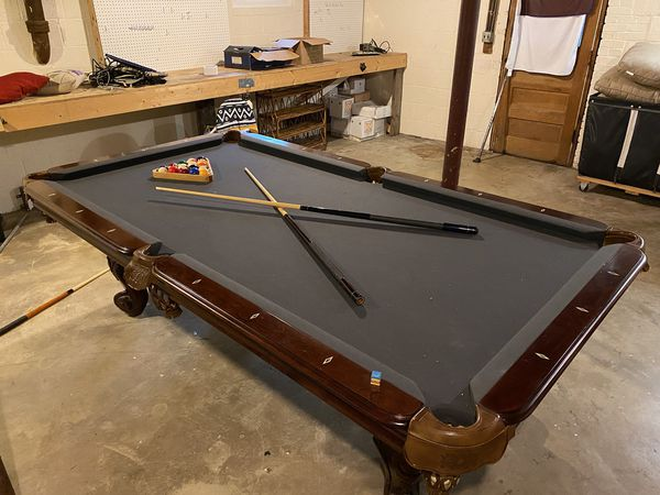 8 Foot Pool Table - Great Condition