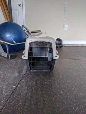 Small Dog/Cat/Animal Crate - Great Condition for Sale in Smyrna, GA