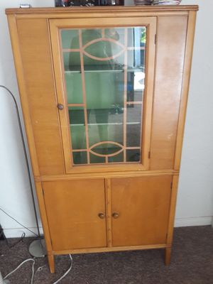 Charming Antique China Cabinet for Sale in Spring Valley, CA