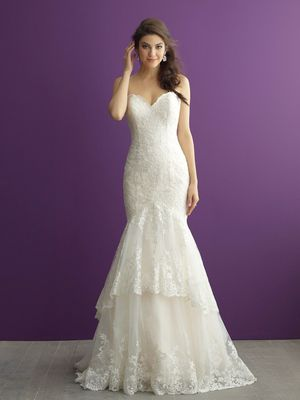 Wedding Dress Never Worn Size 8 for Sale in Baton Rouge, LA