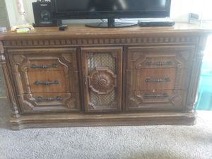 Antique dresser and mirror for Sale in Abilene, TX