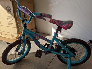 """Girl's 16"""" training bike with snap on/off wheels for Sale in Olmsted Falls, OH"""