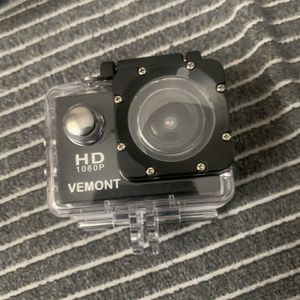 Vemont Action Camera 1080P 12MP Sports Camera Full HD 2.0 Inch Action Cam 30m/98ft Underwater Waterproof Snorkel surf Camera with Wide-Angle Lens and for Sale in Nottingham, MD