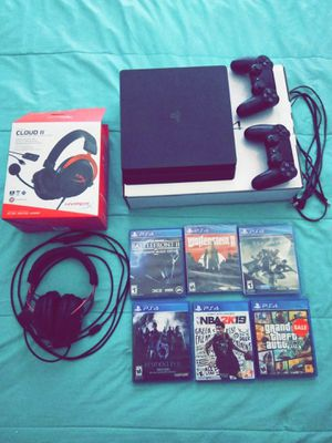 PS4 BUNDLE GREAT CONDITION for Sale in McKinney, TX