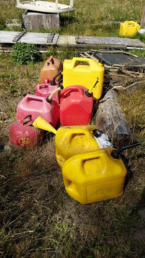 Gas Cans / Diesel Cans for Sale in Puyallup, WA