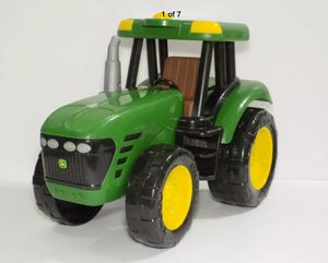 JOHN DEER LICENSED PRODUCT PLASTIC DIECAST GREEN TRACTOR for Sale in El Cajon, CA
