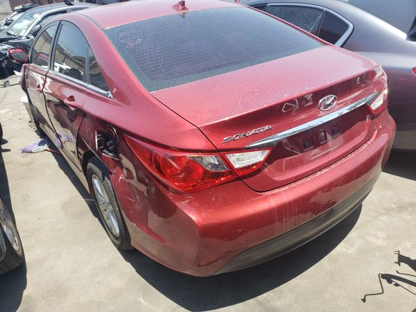 2014 Hyundai sonata for parts