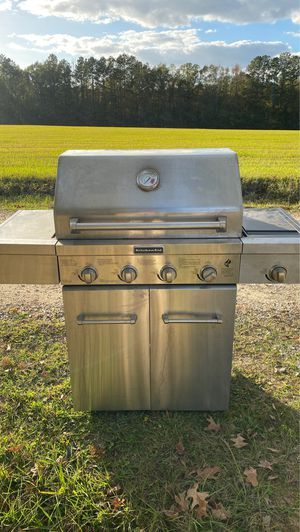Kitchen Aid 4 Burner Grill $100 !!! for Sale in Deville, LA
