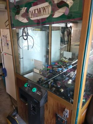 Claw machine / arcade game for Sale in Fresno, CA