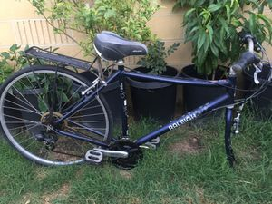 RALEIGH Detour 6.5 Hybrid 24 Speed Bike for Sale in Artesia, CA