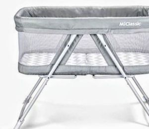 baby bassinet (new) for Sale in Ontario, CA
