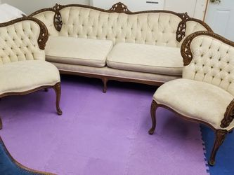 Victorian Sofa & 2 Chairs for Sale in Brecksville,  OH