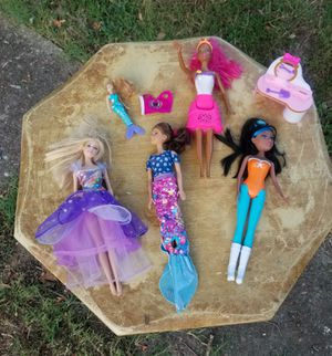 7 Barbie dolls lot with accessories for Sale in Norfolk, VA