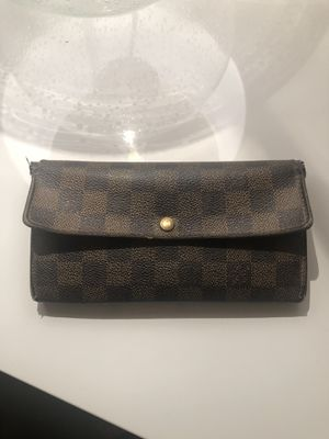 Louis Vuitton Wallet for Sale in Los Angeles, CA