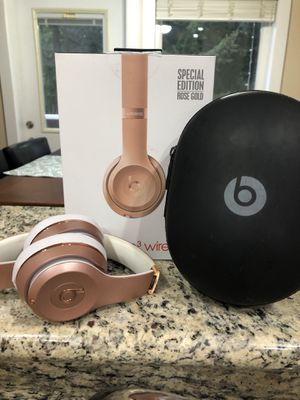Special Edition Rose Gold Beats Wireless for Sale in Gig Harbor, WA