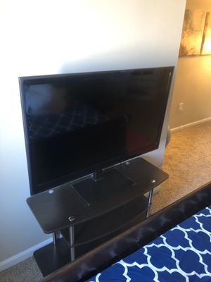 LG 45 inch tv for Sale in Quincy, MA